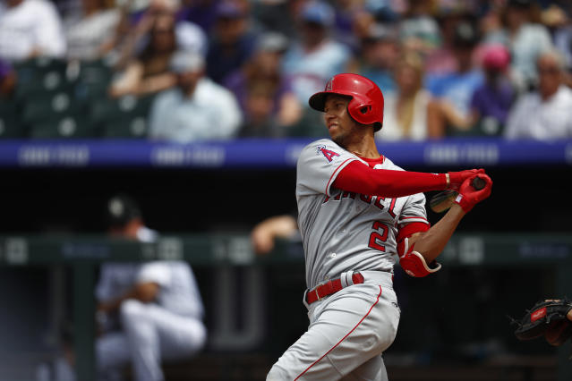 "Fielding wizard <a class=""link rapid-noclick-resp"" href=""/mlb/players/9201/"" data-ylk=""slk:Andrelton Simmons"">Andrelton Simmons</a> deserves more attention for hit bat (AP Photo/David Zalubowski)"