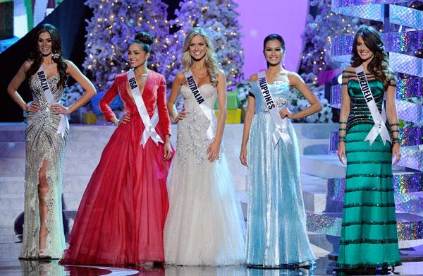 <b>Miss Universe 2012 </b><br><br>The five finalists: Miss Brazil Gabriela Markus joins winner Miss USA Olivia Culpo, finalist Miss Australia Renae Ayris, runner-up Miss Philippines Janine Tugonon and 3rd place Miss Venezuela Irene Sofia Esser Quintero on stage.<br><br>© Getty