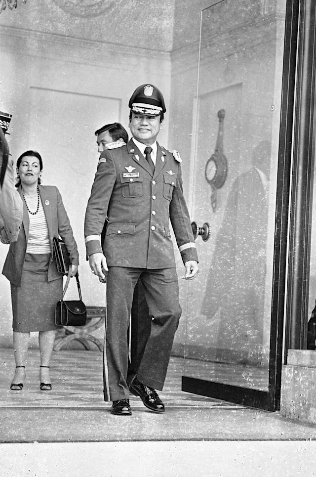 <p>Panama Army Forces Chief of Staff Gen. Manuel Antonio Noriega leaves the Élysée presidential palace in Paris after a meeting with French President Francois Mitterrand, June 19, 1984. (AP Photo/Herve Merliac) </p>