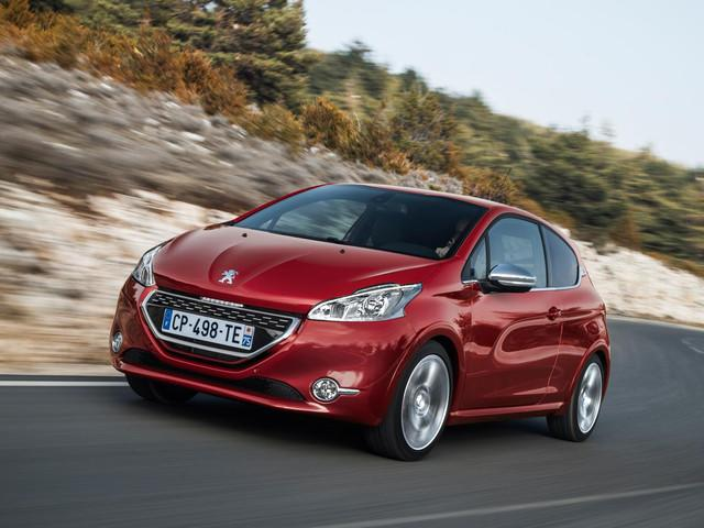 Red Peugeot 208 GTi