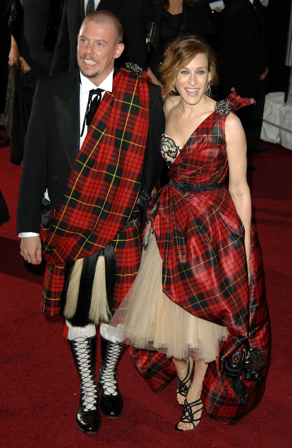 """<h1 class=""""title"""">Sarah Jessica Parker in Alexander McQueen, 2006</h1><cite class=""""credit"""">Photo: Getty Images</cite>"""