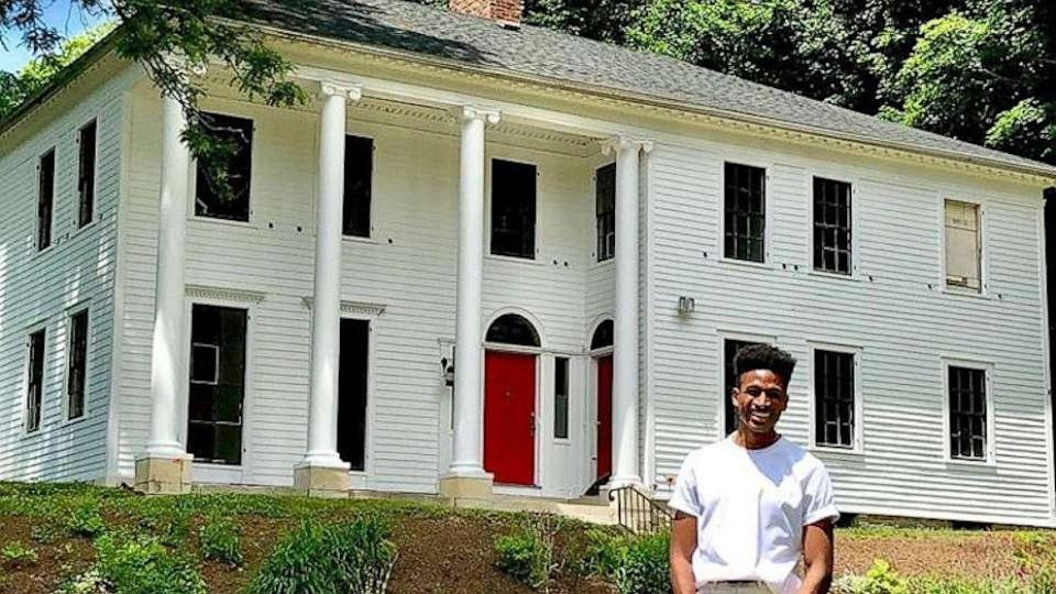 Broadway star Robert Hartwell buys 1820 house built by slaves: 'I've never been prouder to be a Black man'