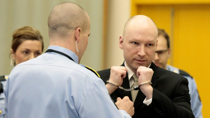 Breivik 'strip-searched 885 times'