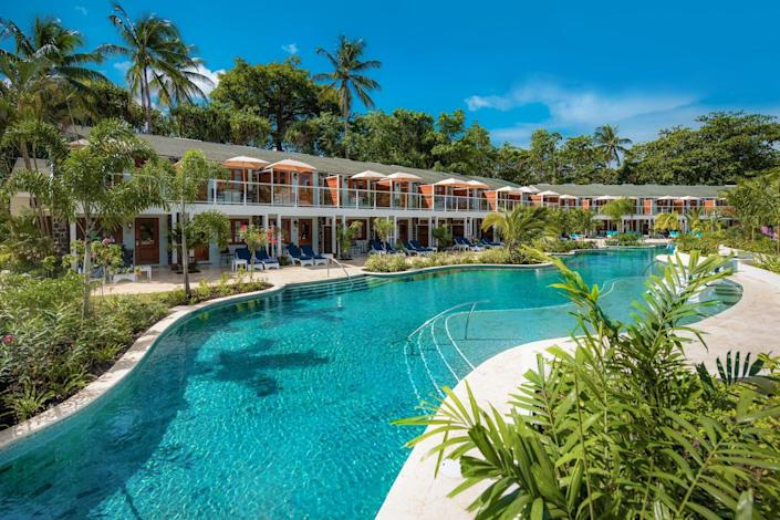 Sandals Halcyon swim-up suite and lagoon to pool bar