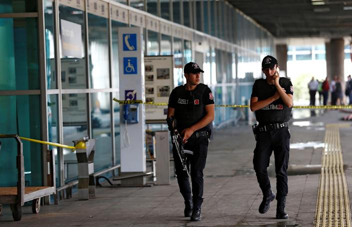 <p>Police officers patrol at Turkey's largest airport, Istanbul Ataturk, following yesterday's blast June 29, 2016. (REUTERS/Osman Orsal) </p>