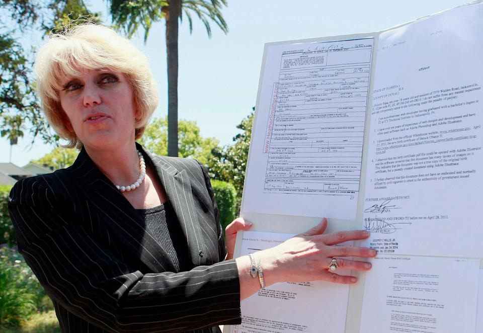 Orly Taitz, shown in this 2011 file photo, told HuffPost that she'd absolutely be willing to join Trump's legal team. (Photo: ASSOCIATED PRESS)