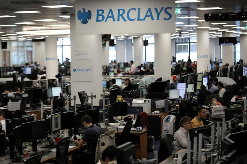 Traders work on the trading floor of Barclays Bank at Canary Wharf in London, Britain December 7, 2018. REUTERS/Simon Dawson