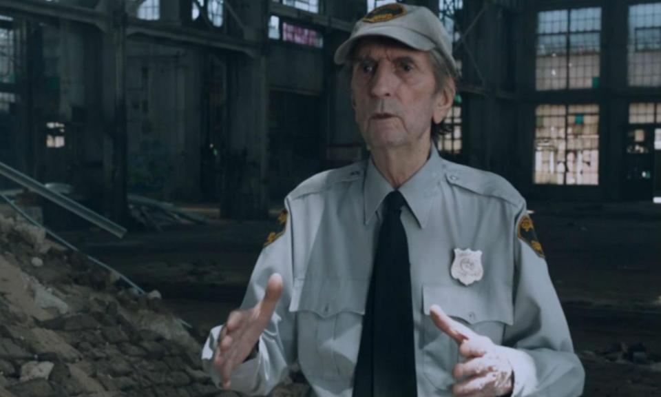 <p>The late actor appeared in <em>The Avengers</em> as the security guard who finds the Hulk/Bruce Banner after he is ejected from the helicarrier. </p>