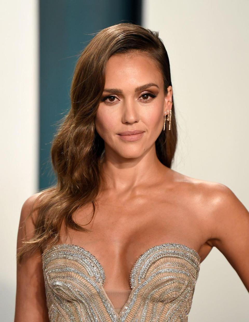 """<p>Sleek, timeless chestnut waves are perfect for any occasion. Try a deep side part, like <strong>Jessica Alba</strong>.</p><p><a class=""""link rapid-noclick-resp"""" href=""""https://go.redirectingat.com?id=74968X1596630&url=https%3A%2F%2Fwww.dermstore.com%2Fproduct_Carbon%2BTail%2BComb_59521.htm&sref=https%3A%2F%2Fwww.goodhousekeeping.com%2Fbeauty%2Fhair%2Fg34691983%2Fchestnut-hair-color-ideas%2F"""" rel=""""nofollow noopener"""" target=""""_blank"""" data-ylk=""""slk:SHOP PARTING COMB"""">SHOP PARTING COMB</a></p>"""