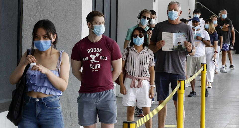 Sydney people lined up to get tested for Covid.
