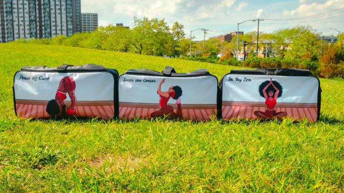 Toned by BaggedEm also offers gym bags that feature images of Black women in various yoga poses. (Photo: Toned by BaggedEm)