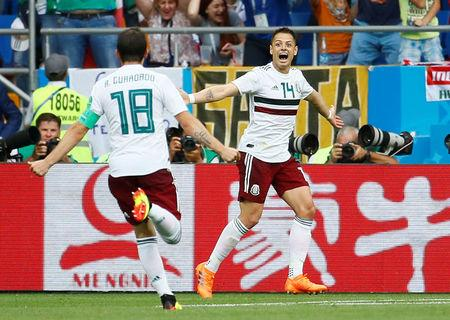 Soccer Football - World Cup - Group F - South Korea vs Mexico - Rostov Arena, Rostov-on-Don, Russia - June 23, 2018   Mexico's Javier Hernandez celebrates scoring their second goal with Andres Guardado    REUTERS/Jason Cairnduff