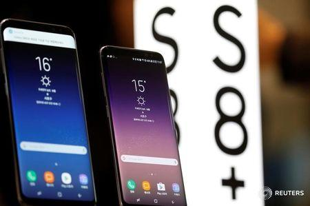 Apple and Samsung Stumble as Smartphone Market Soars