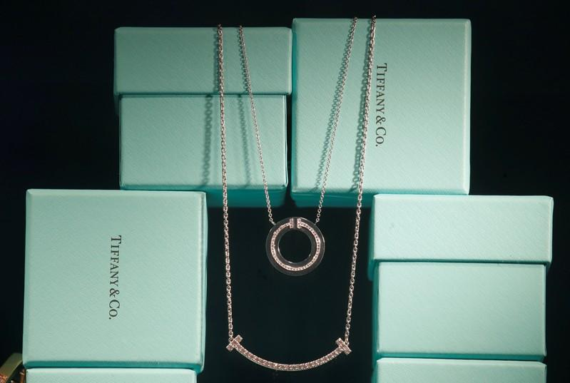 How LVMH's whirlwind courtship sealed $16 billion Tiffany deal