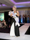 <p>This tenacious teenager, who refused to give up on her dream of becoming a model, is the first with Down syndrome to win an international beauty pageant. When Kate Grant was born with Down syndrome 19-years-ago, Mum Deidre was warned by doctors her daughter would never learn to read or speak – but she's continued to defy the odds ever since. Showing a keen interest in clothes and make-up from a young age, Kate expressed to her mum aged 13 that she wanted to become a model, but – having experienced the cut-throat nature of the industry herself – Deidre was apprehensive. (foto: DEIDRE GRANT/CATERS NEWS) </p>
