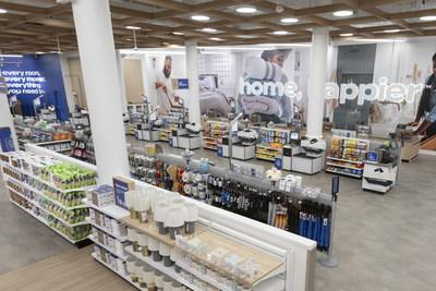 """Bed Bath & Beyond's Bed Bath & Beyond's flagship store in the Chelsea neighborhood in Manhattan underwent a a complete transformation to modernize the in-store shopping experience and help customers on their journey to """"home, happier."""""""