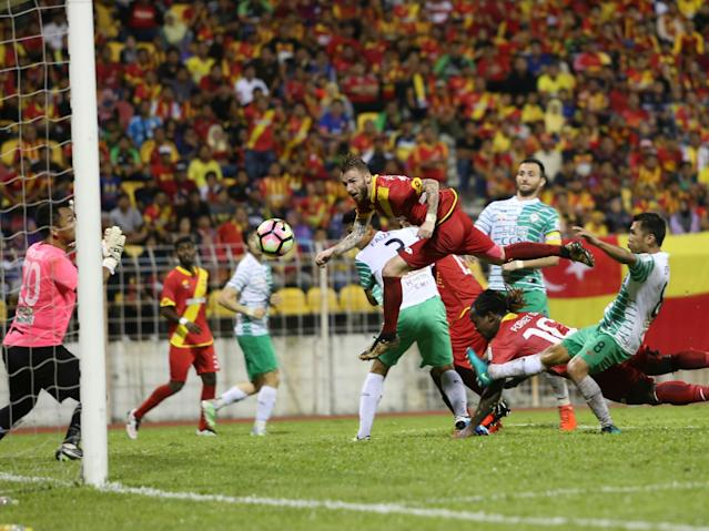 Selangor on Friday announced that they have released Romanian attacker Victor Astafei, days after they decided to re-register Andik Vermansyah.