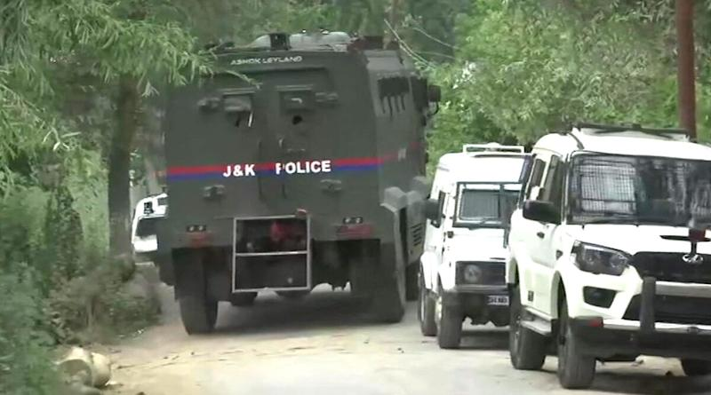 Jammu And Kashmir: Terrorist Neutralised by Security Forces in Encounter in Anantnag District; Gunfight Underway