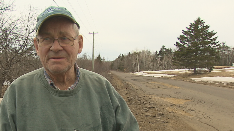Dangerous, rutted Stoney Creek detour blasted as 'disgraceful' by locals