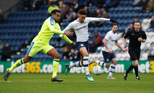 "Soccer Football - Championship - Preston North End vs Derby County - Deepdale, Preston, Britain - April 2, 2018 Derby County's Tom Huddlestone Preston North End's Callum Robinson Action Images/Craig Brough EDITORIAL USE ONLY. No use with unauthorized audio, video, data, fixture lists, club/league logos or ""live"" services. Online in-match use limited to 75 images, no video emulation. No use in betting, games or single club/league/player publications. Please contact your account representative for further details."