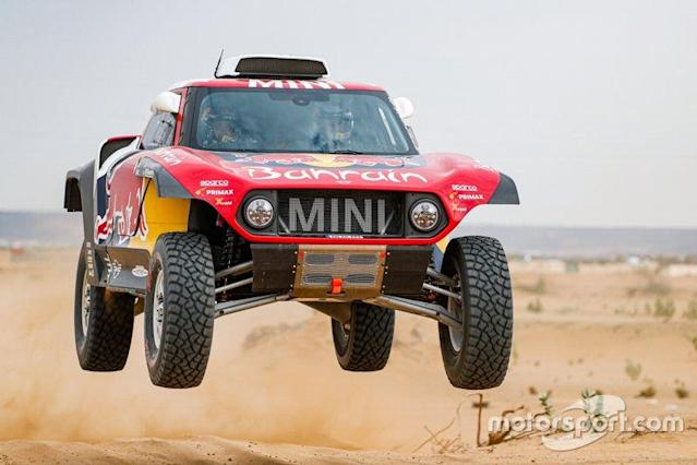 "#302 JCW X-Raid Team: Stephane Peterhansel, Paulo Fiuza <span class=""copyright"">X-raid </span>"