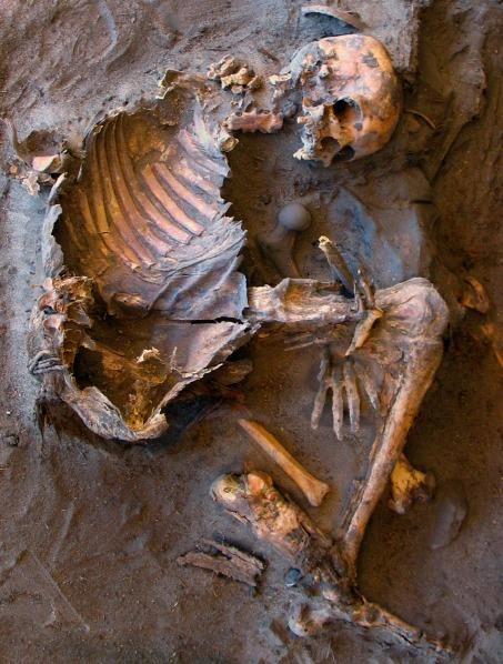 Archaeologists uncovered 20 Stone Age skeletons in the Sahara Desert. The burials spanned thousands of years, suggesting the place was a persistent cemetery for the local people.