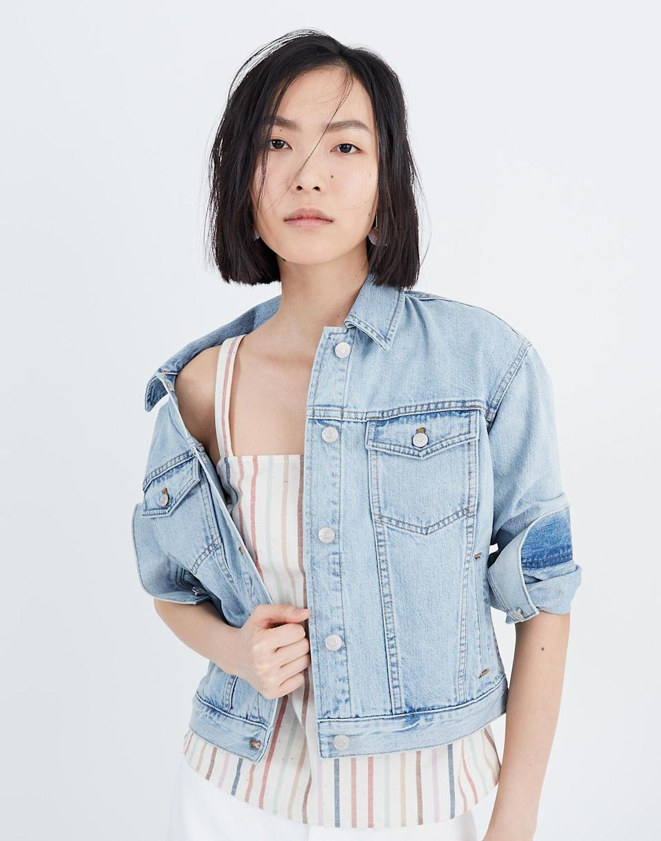"<p><strong>Madewell</strong></p><p>madewell.com</p><p><strong>$128.00</strong></p><p><a href=""https://go.redirectingat.com?id=74968X1596630&url=https%3A%2F%2Fwww.madewell.com%2Fthe-boxy-crop-jean-jacket-in-fitzgerald-wash-99105008543.html&sref=https%3A%2F%2Fwww.marieclaire.com%2Ffashion%2Fstreet-style%2Fg33444473%2Fbest-jean-jackets-for-women%2F"" rel=""nofollow noopener"" target=""_blank"" data-ylk=""slk:SHOP IT"" class=""link rapid-noclick-resp"">SHOP IT</a></p><p>The trick for the effortless off-the-shoulder look? Do up one button at the bottom of a boxy denim jacket and leave the rest open to show off your summery floral dresses.</p>"