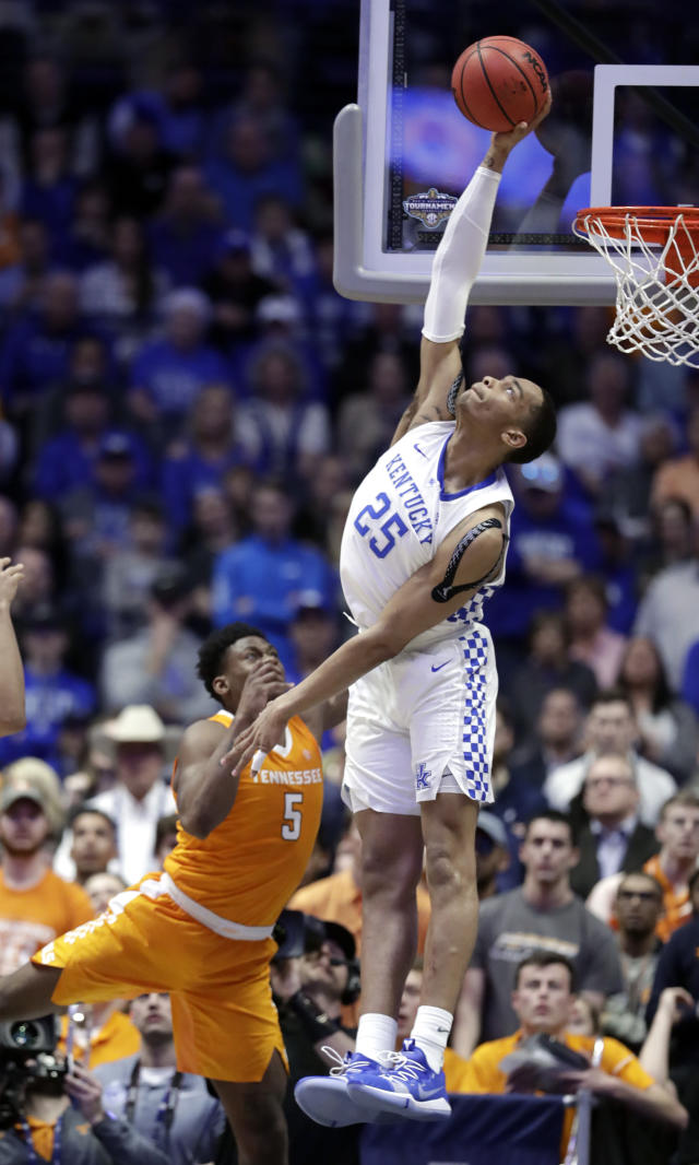 Kentucky forward PJ Washington (25) blocks a shot by Tennessee guard Admiral Schofield (5) but was called for goaltending in the second half of an NCAA college basketball game at the Southeastern Conference tournament Saturday, March 16, 2019, in Nashville, Tenn. Tennessee won 82-78. (AP Photo/Mark Humphrey)