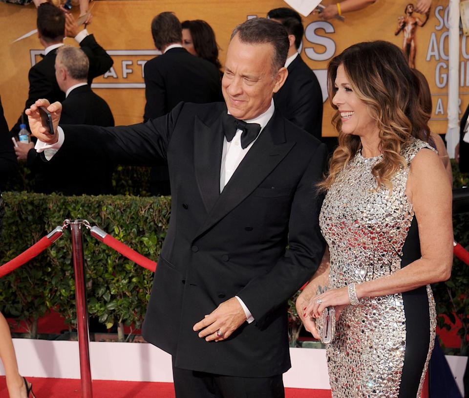 The adorable couple arrives at the 2014 Screen Actors Guild Awards. (Photo: Gregg DeGuire/WireImage)