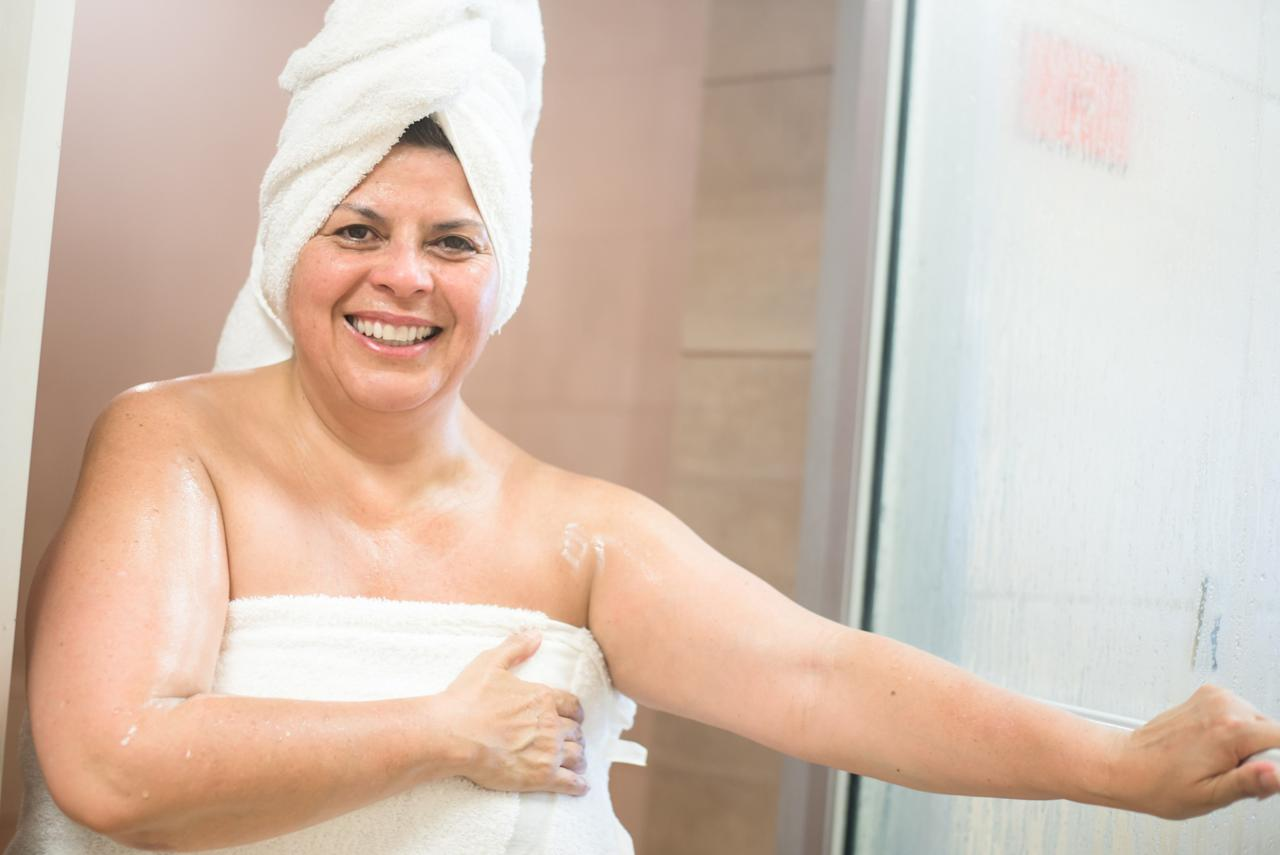 "<p>Under and between the breasts should be cleansed, especially if you're a larger person and if you have folds underneath that area. ""Those areas that are warm and moist are more likely to grow yeast,"" reminds Kellett. <em>(Photo: Getty) </em> </p>"