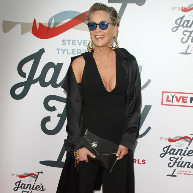 Sharon Stone sale en defensa de James Franco ante las acusaciones de acoso