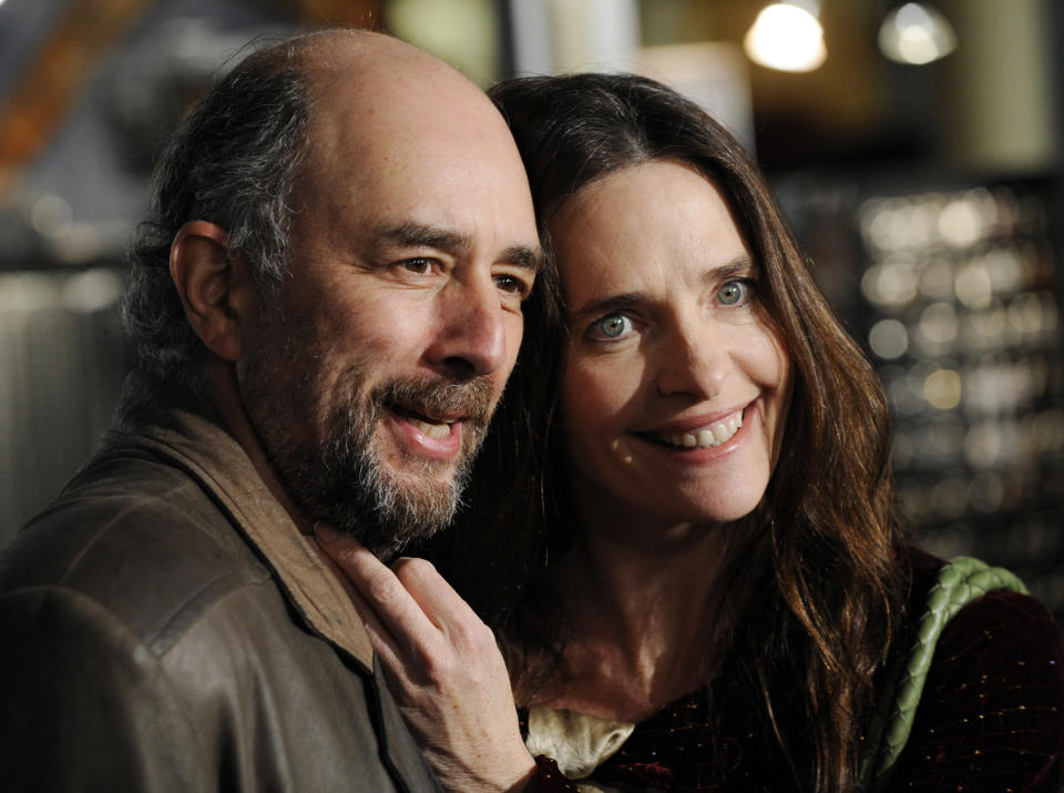 "Actor Richard Schiff and his wife, actress Sheila Kelley, pose together at the premiere of the film ""The Air I Breathe"" in Los Angeles, January 15, 2008. REUTERS/Chris Pizzello (UNITED STATES)"