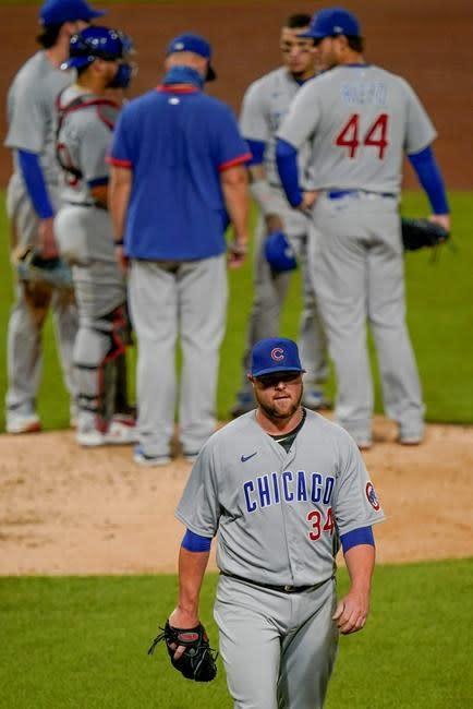 Happ spoils Hayes' debut, leads Cubs past Pirates 8-7
