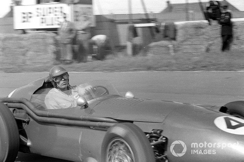"Carroll Shelby, Aston Martin DBR4/250<span class=""copyright"">LAT Images</span>"