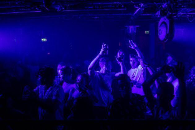 LONDON, ENGLAND - JULY 19: People dancing at Egg London nightclub in the early hours of July 19, 2021 in London, England. As of 12:01 on Monday, July 19, England will drop most of its remaining Covid-19 social restrictions, such as those requiring indoor mask-wearing and limits on group gatherings, among other rules. These changes come despite rising infections, pitting the country's vaccination programme against the virus's more contagious Delta variant. (Photo by Rob Pinney/Getty Images) (Photo: Rob Pinney via Getty Images)