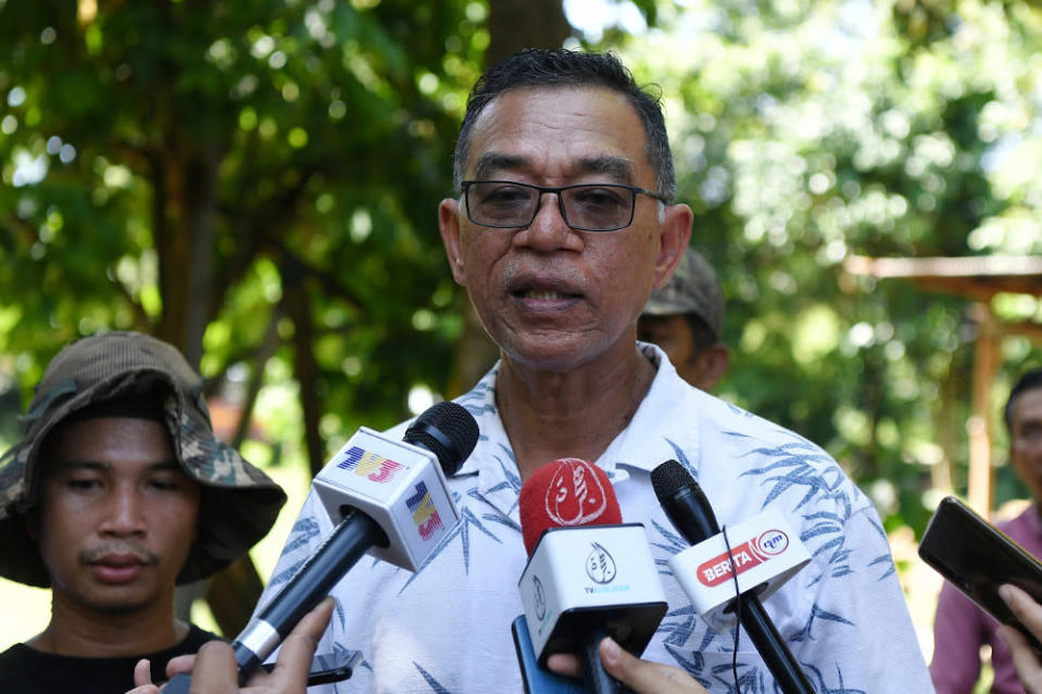 Deputy minister Datuk Rosol Wahid said that the use of the QR code will ensure no illegal items are brought into the country with fake logos and packaging. — Bernama pic