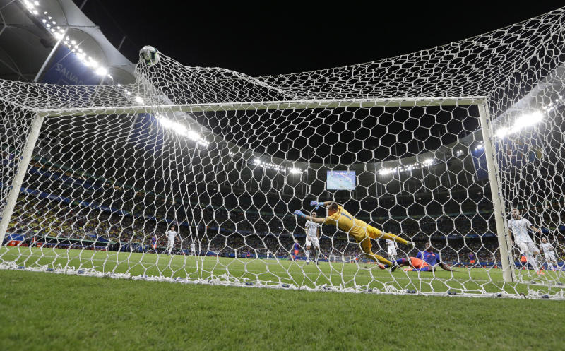 Colombia's Duvan Zapata, scores his side's second goal during a Copa America Group B soccer match at the Arena Fonte Nova in Salvador, Brazil, Saturday, June 15, 2019. (AP Photo/Natacha Pisarenko)