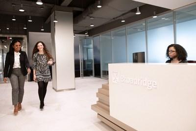 Broadridge Accelerates Hybrid Cloud Strategy with IBM Services