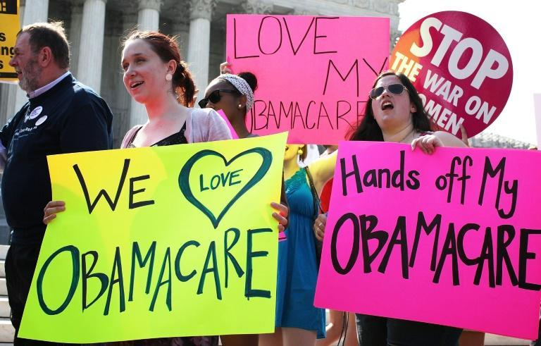 Obamacare supporters demonstrate in front of the US in June 2012