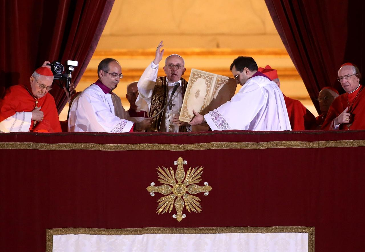VATICAN CITY, VATICAN - MARCH 13:  Newly elected Pope Francis I appears on the central balcony of St Peter's Basilica on March 13, 2013 in Vatican City, Vatican.  Argentinian Cardinal Jorge Mario Bergoglio was elected as the 266th Pontiff and will lead the world's 1.2 billion Catholics.  (Photo by Franco Origlia/Getty Images)