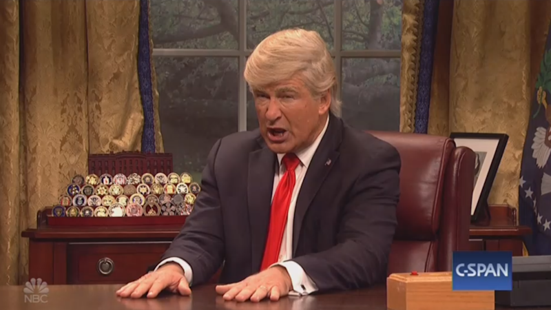 Alec Baldwin returns as President Trump on 'SNL'