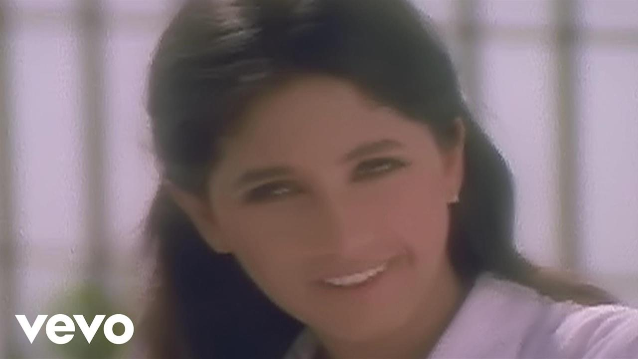 Rajesh Khanna was a superstar and Dimple Kapadia became a trendsetter with her debut, <em>Bobby</em>. After her separation with Rajesh Khanna, when the mother of two decided to return to cinema, she got a warm welcome. It is unfortunate that none of the children of these massively actors could replicate the success of their parents even minutely. While Twinkle Khanna chose to walk a different lane after taking stock of her failed career in movies, younger sister Rinke has faded out from public memory totally.