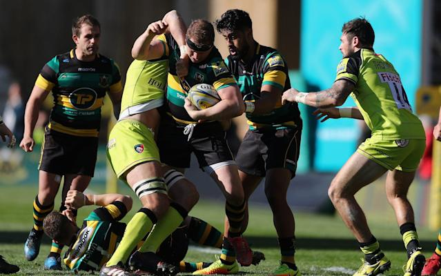 <span>Dylan Hartley tries to break clear</span>