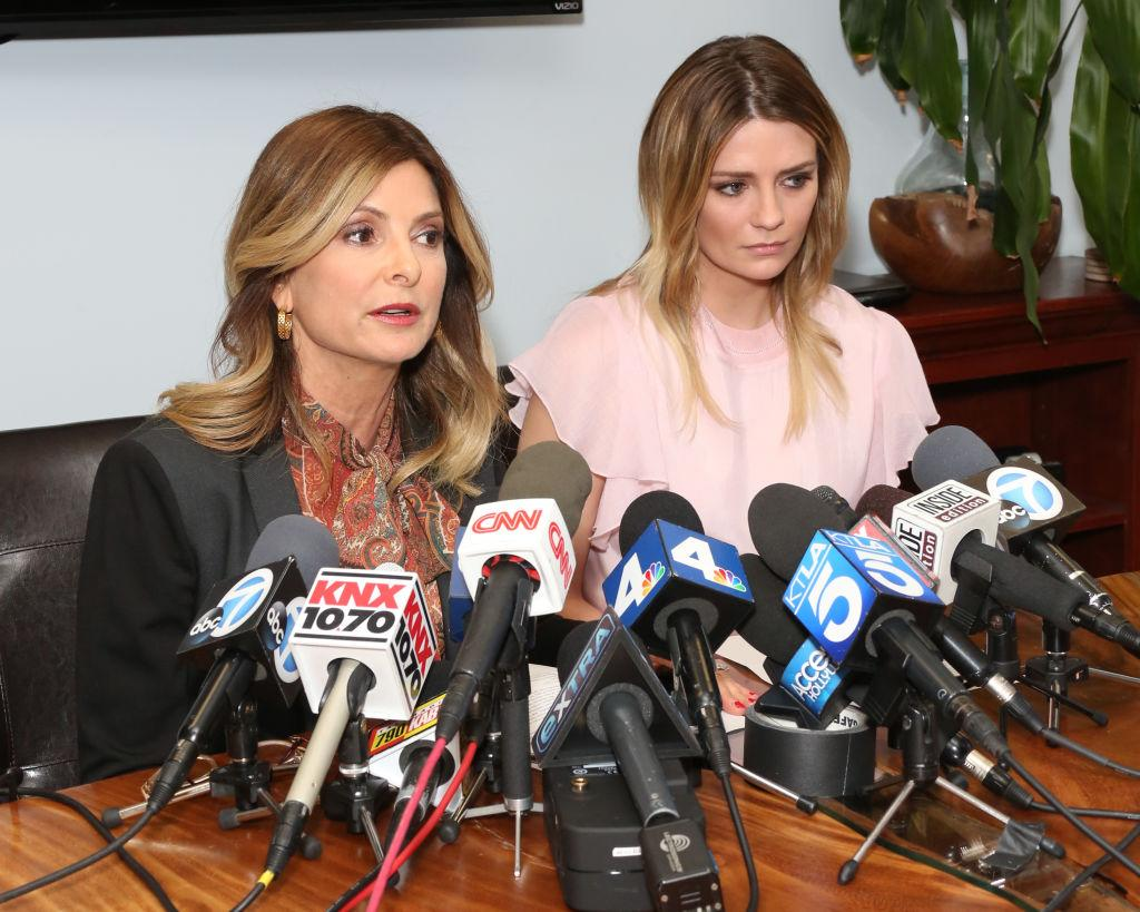 "<p>La Barton e l'avvocato Lisa Bloom hanno deciso coraggiosamente di rendere la questione pubblica, attraverso una conferenza stampa. ""Si tratta di revenge pornography, una forma di violenza sessuale e un crimine in California"", ha ricordato la Bloom. Il video è stato offerto per cinquecentomila dollari. (Photo by Paul Archuleta/Getty Images) </p>"