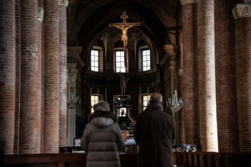 Church buildings in the rest of Italy will stay open as long as the faithful follow government regulations and remained a metre (three feet) apart while inside