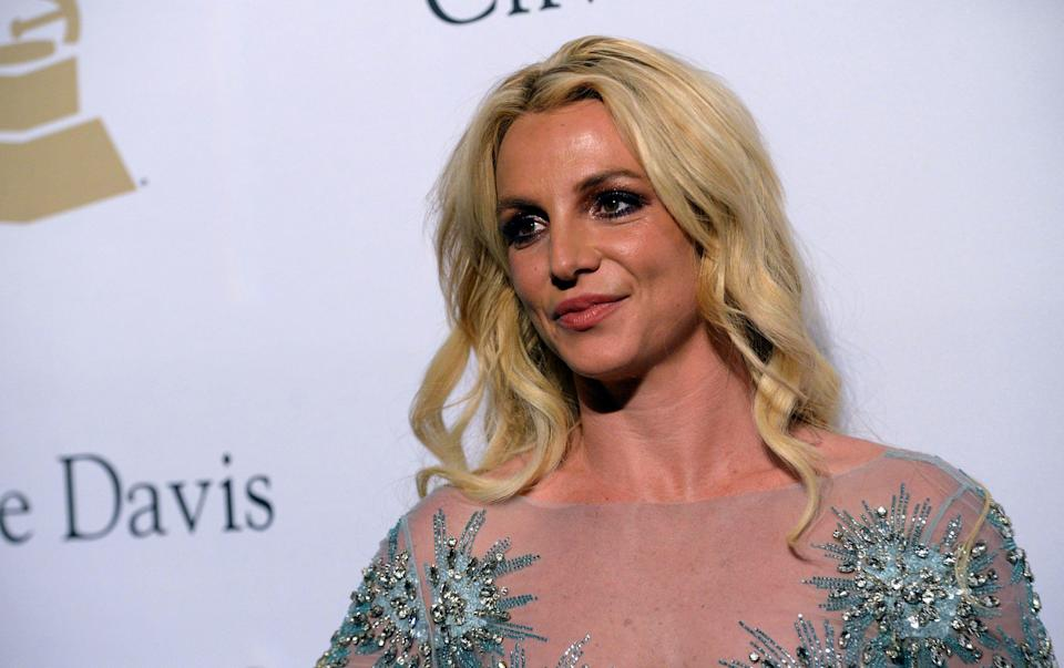 Britney Spears walks the red carpet at the 2017 Pre-GRAMMY Gala. (Photo: Scott Dudelson/Getty Images)
