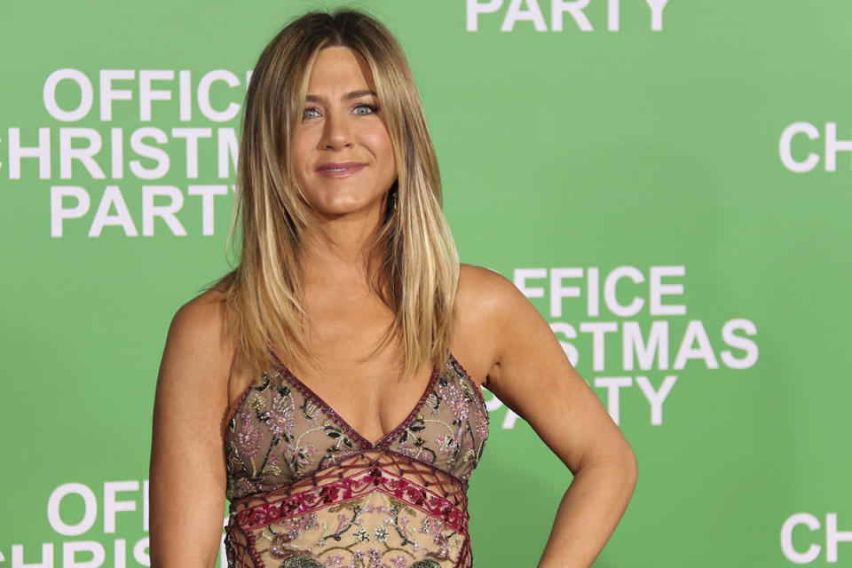 <p>Jennifer Aniston made back $27.80 for each $1 paid. </p>