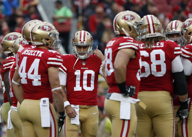 The Niners are road favorites in Week 17, and we like them anyway (AP Photo/Tony Avelar)