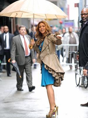 """<p>Beyonce Knowles visits the """"Late Show with David Letterman"""" at the Ed Sullivan Theater on April 22, 2009 in New York City</p>"""