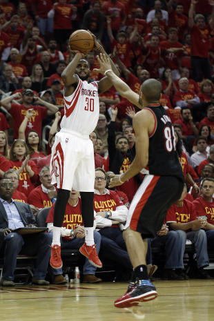 Troy Daniels shoots. That's what he does. (Andrew Richardson-USA TODAY Sports)